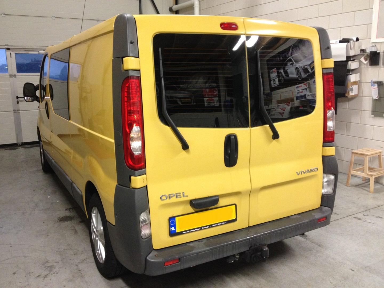 Deze mooie Opel Vivaro >> Geblindeerd / tinted /beplakt met zwarte ...