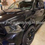 Dodge Ram voor bedrijf GL Security uit Steenwijk dak wrappen matt zwart.