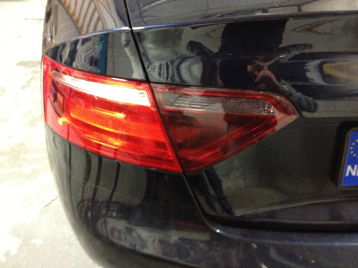 achterlamp gewrapped audi a5 coupe met smoke tint / wrapping