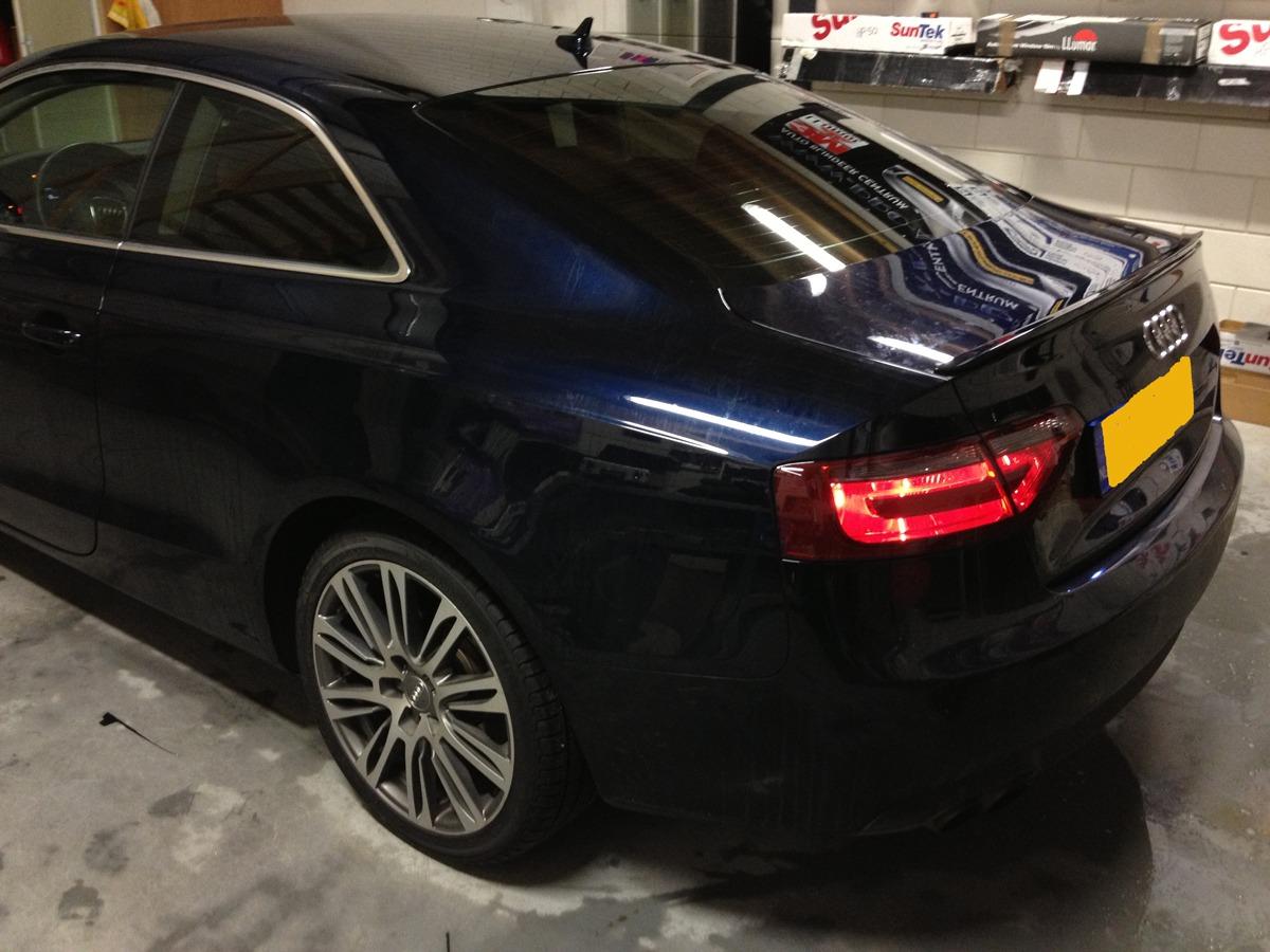 Audi A5 Coupe Achterlampen gewrapped met smoke tint. Nieuw : Xenon lampen inbouw